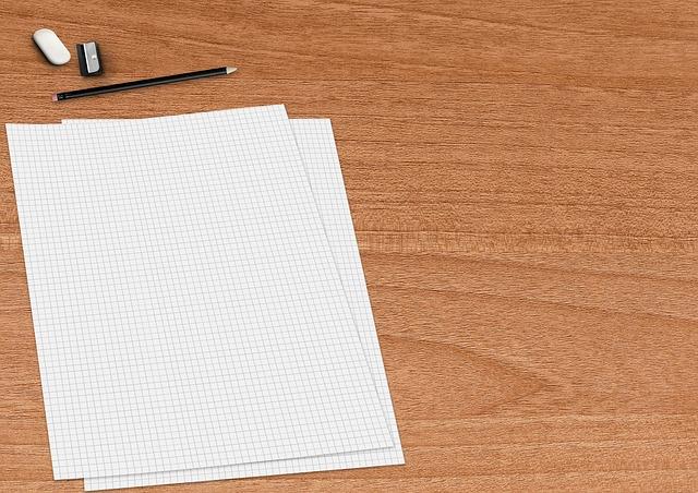 kostičkovaný papír